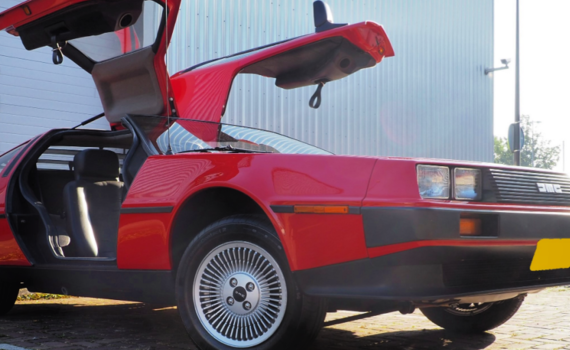 Taxatie rode DeLorean 1024×512